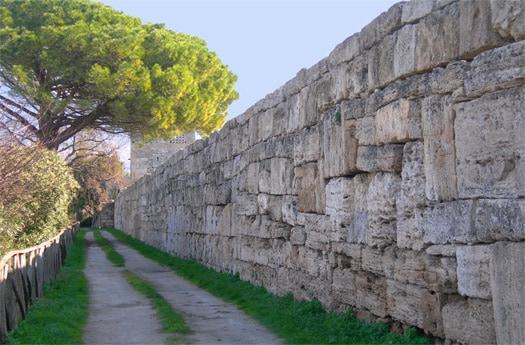 Cinta muraria-Paestum