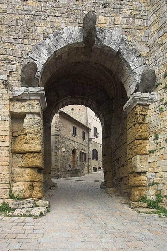 Volterra porta dell 39 arco studia rapido - Porte con arco ...