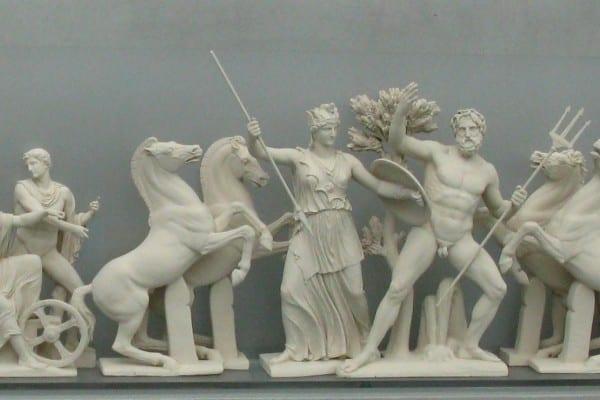 Ricostruzione del frontone occidentale del Partenone