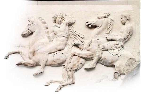 Fregio nord del Partenone, particolare con efebi a cavallo, marmo, h 102 cm, Londra, British Museum