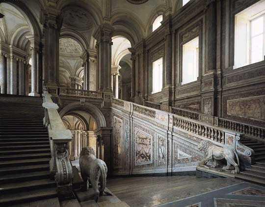 veduta dello scalone monumentale, reggia di caserta