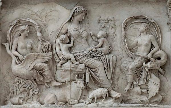 Rilievo con la Saturnia Tellus