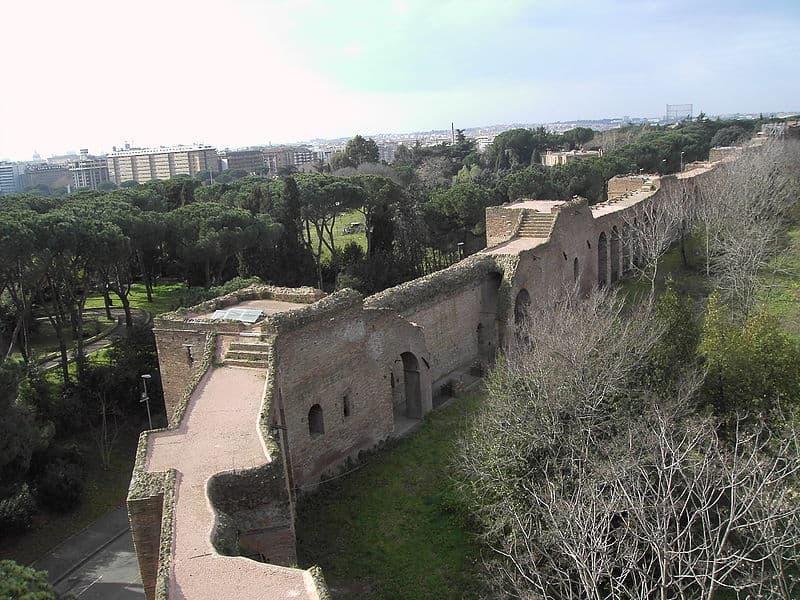 Risultati immagini per Mura Aureliane