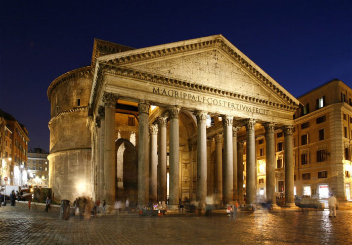 Pantheon, Roma, il Tempio di tutti gli dèi.