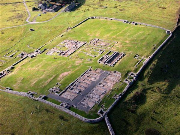 Veduta aerea del forte di Vercovicium presso Housesteads (Gran Bretagna), 128 d.C.