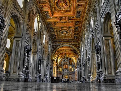 San Giovanni in Laterano a Roma, interno.