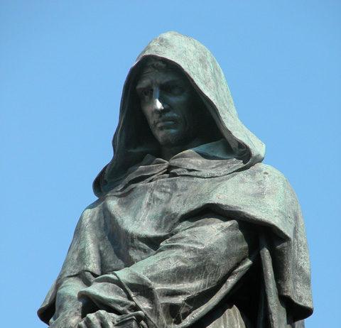 Giordano Bruno, la statua in Campo dei Fiori a Roma