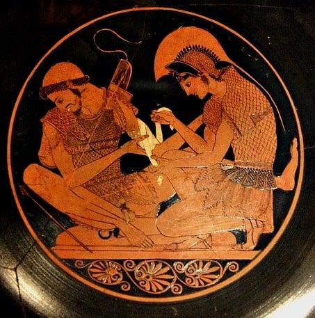 Guerra di Troia - Achille cura una ferita a Patroclo, ceramica a figure rosse del pittore Sosias, 500 a.C. Berlino, Musei Statali