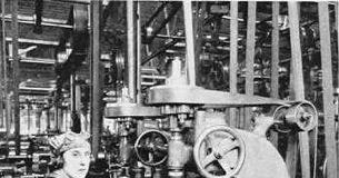 Storia dell'emancipazione femminile in Italia - Donne al lavoro in fabbrica in una foto d'epoca.