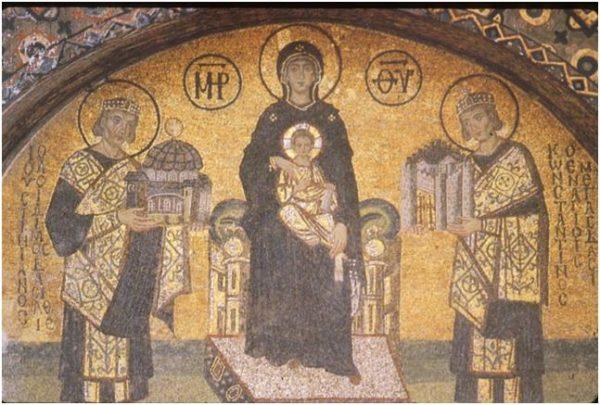 Madonna col Bambino in trono tr gli imperatori Giustiniano e Costantino, X-XI secolo, mosaico. Istanbul, Basilica di Santa Sofia.
