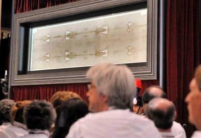 Ostensione della Sindone nella Cattedrale di Torino dal 19 aprile al 24 giugno 2015