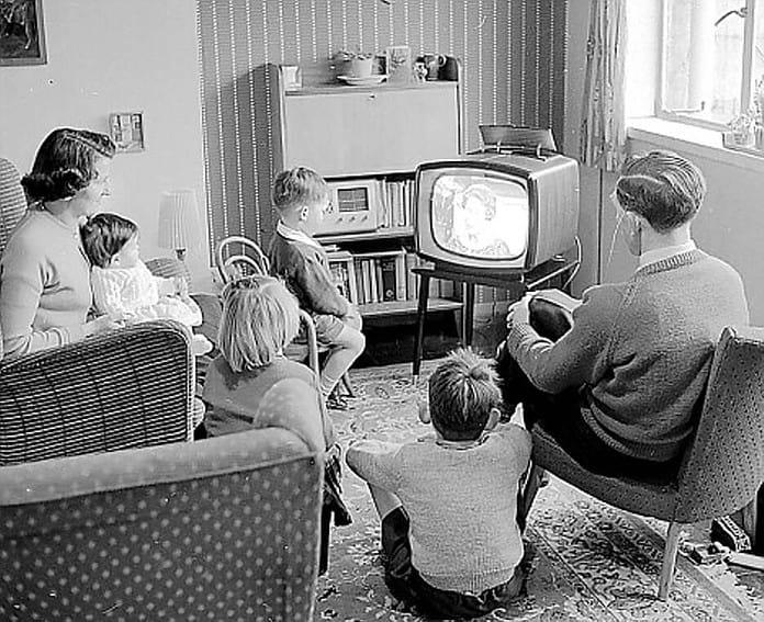 mass media in Italia e storia della televisione italiana
