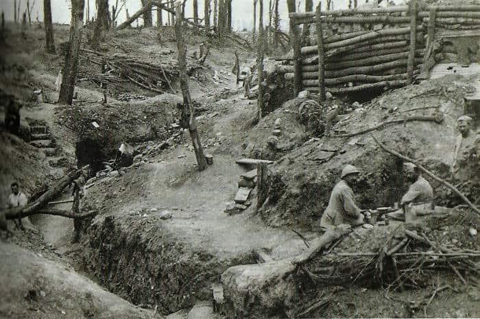 Vivere e morire nelle trincee della Prima Guerra Mondiale - Studia ... 3dda6b3d5e81