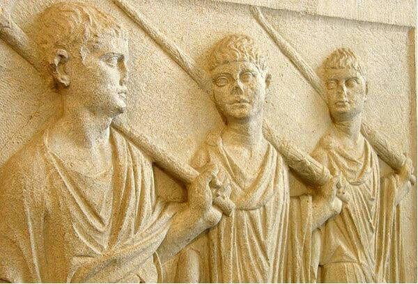 Secondo triumvirato e confronto con il Primo