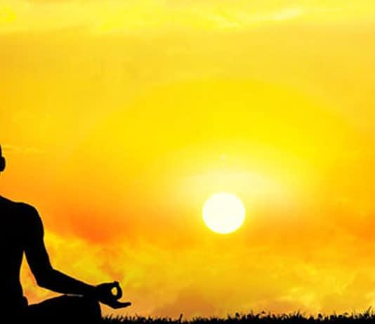 Lo yoga cos'è e a cosa serve, spiegato semplice