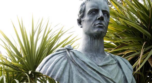 Carme 101 di Catullo, parafrasi e commento