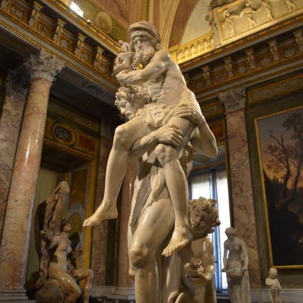 Gian Lorenzo Bernini, Enea e Anchise, 1618-1619, marmo, h. 220 cm. Roma, Galleria Borghese