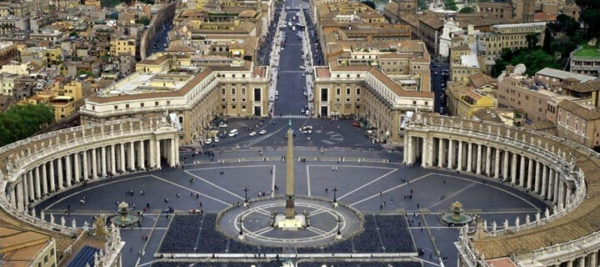 Gian Lorenzo Bernini, Piazza San Pietro, 1656-1666, veduta aerea. Città del Vaticano