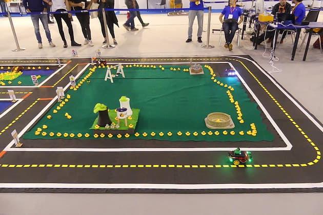 Circuito Duckietown: robot a guida autonoma