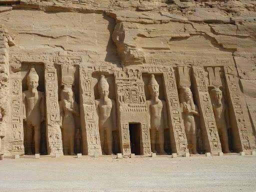 tempio di nefertari ad abu simbel